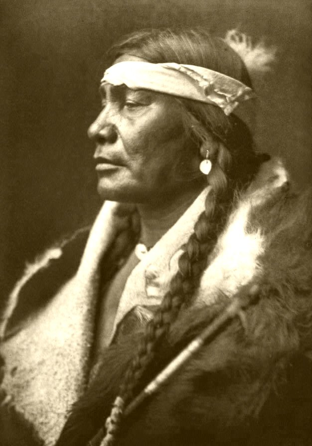Edward_S._Curtis_Collection_People_013.jpg